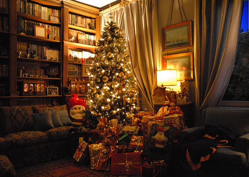 Louder than the music the ultimate christmas interview 2015 - Christmas tree in living room ...